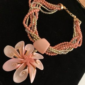 Jewelry - 🤩🔥Vintage Coral Oversized Flower Necklace